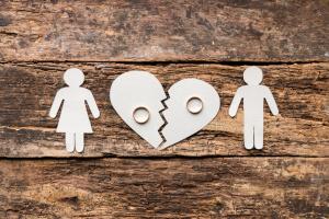 Lebensversicherung bei Scheidung: Erfolgt eine Aufteilung der Versicherungssumme?