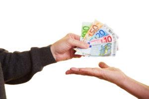 Eine Teilauszahlung der Lebensversicherung ist möglich, wenn dies in der Police vereinbart wurde.